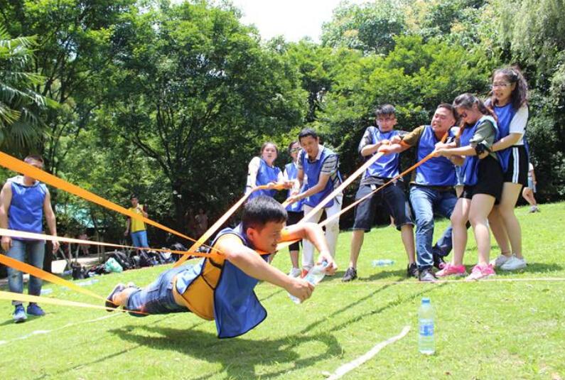 团队拓展培训游戏_雷区取水拓展活动-拓展游戏-上海拓展训练公司